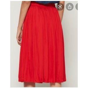 Red GAP pleated Midi Skirt